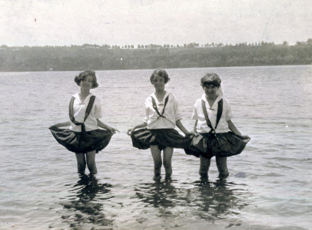 mbk_friends_1924
